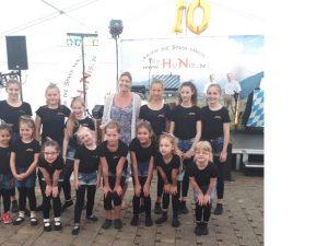 Showtanz beim 10 jährigen Bestehen und Sommerfest des Seniorenzentrum Ostertal in Werschweiler