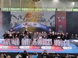 Abschlußzeremonie Dortmund_Kaiten Team (rechts)