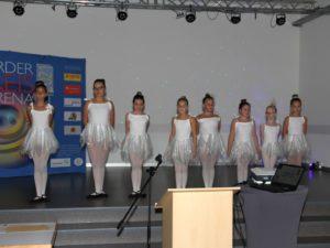 Abteilung Showtanz tanzt beim Förderpreis Ehrenamt